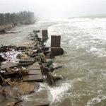 Miền Trung thiệt hại nặng nề do mưa lũ, 102 người chết