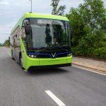 Vingroup chính thức vận hành chạy thử nghiệm xe buýt điện VinFast