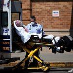 Chuyên gia: Mỹ vẫn chưa trải qua đỉnh dịch COVID-19 sau Lễ Tạ ơn