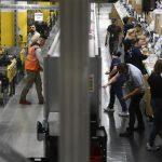 Amazon: Thưởng thêm tiền cho nhân viên mới đã tiêm vaccine ngừa COVID-19